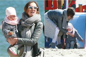 Anna Wendzikowska wybrała się z córką na krótki urlop do Sopotu. Tam gwiazda TVN przechadzała się po plaży ze znajomą, a po spacerze przyszedł czas na zabawę. Kornelka musi być wielką fanką zjeżdżalni! Zobaczcie urocze zdjęcia z wypadu nad morze.