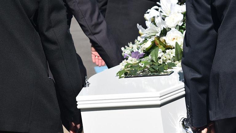 Trumienka nie mieściła się w grobie (zdjęcie ilustracyjne)
