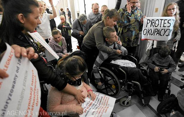 Protest okupacyjny rodzic�w dzieci niepe�nosprawnych