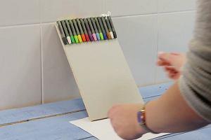 Odkryj w sobie dziecko i stwórz oryginalny obraz z kredek