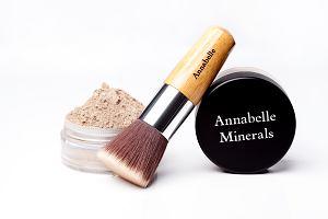 Annabelle Minerals Primer mineralny. Delikatna glinka ukryje zmarszczki i przedłuży trwałość makijażu
