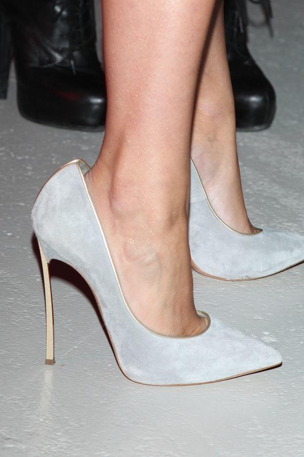 fa56a9bc3a32 Jessica Mercedes tłumaczy się z za dużych butów  To przez moje ...