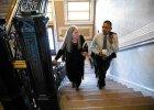 Barack Obama zosta� dziennikarzem. Prezydent USA przeprowadzi� wywiad z pisark�