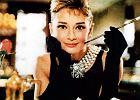 """Audrey Hepburn na """"�niadanie u Tiffany'ego"""" sz�a w ma�ej czarnej"""