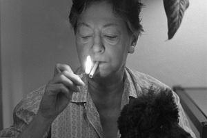 """Nie jestem pisarką z problemem alkoholowym, jestem pijaczką z problemem pisania. Dorothy Parker - pirania z """"Vogue'a"""" i Vanity Fair"""""""