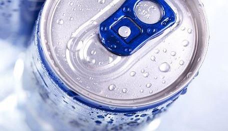 Po napój energetyczny lepiej sięgać tylko w sytuacjach awaryjnych.