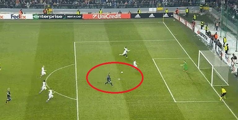 Legia - Ajax, pudło Dolberga