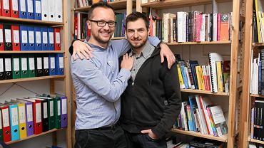 Grzegorz Lepianka i Krzysztof Łoś - jedna z pięciu par walczących o zalegalizowanie swojego związku. Są razem od 13 lat