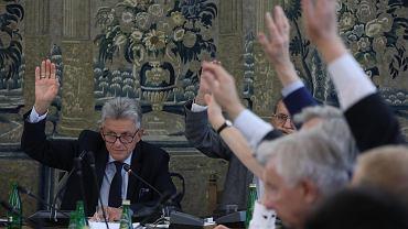 Przewodniczący, były komunistyczny prokurator Stanisław Piotrowicz podczas posiedzenia komisji sprawiedliwości i praw człowieka. 67 posiedzenie Sejmu VIII Kadencji, Warszawa, 19 lipca 2018