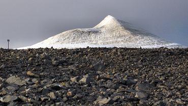 Najwyższy szczyt Szwecji stracił swój tytuł. Wszystko przez wysoką temperaturę
