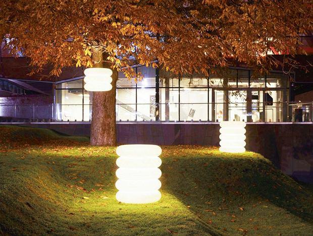 Ogród można oświetlić designerskimi lampami - dzięki technologii LED - przenośnymi
