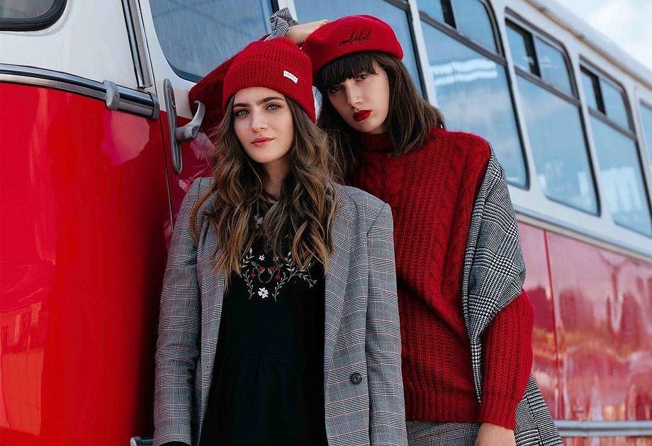 Czerwona czapka na jesień