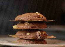 Ciasteczka z bia�� czekolad� i orzeszkami ziemnymi - ugotuj