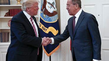 Donald Trump i szef MSZ Rosji Siergiej Ławrow podczas spotkania w Białym Domu w Waszyngtonie  10 maja 2017 r.