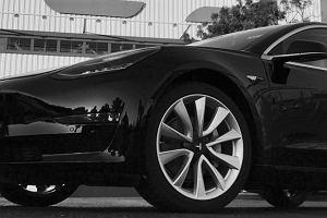 Produkcja Tesli Model 3 rozpoczęta! Pierwsze auto dostał... Elon Musk