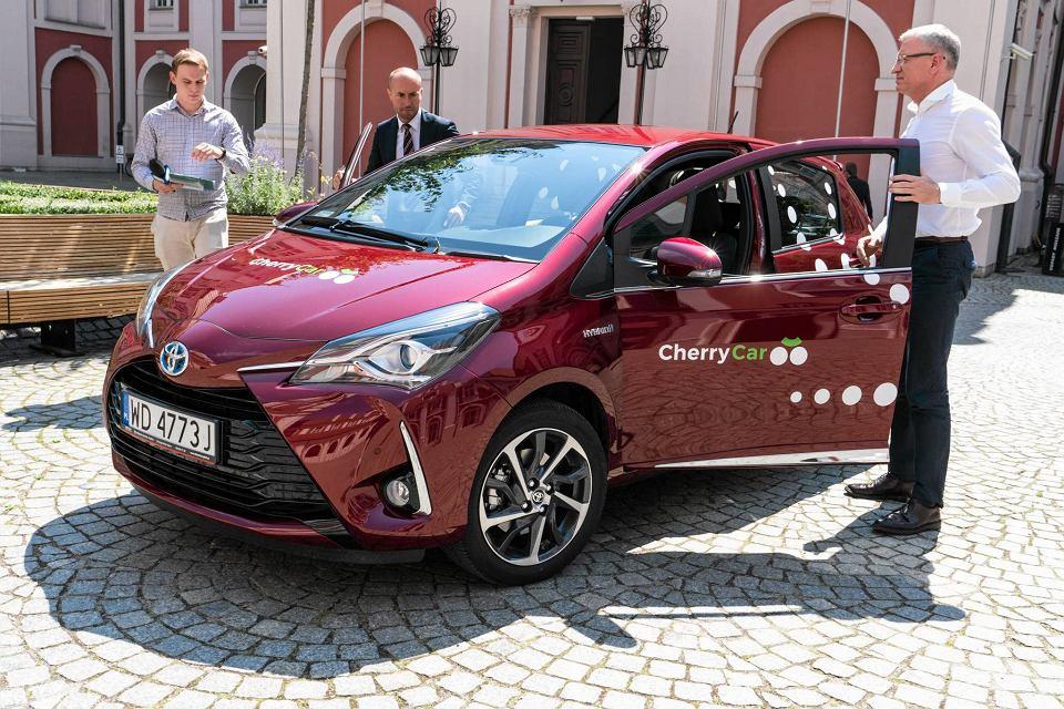 Car Sharing W Poznaniu Hybrydowe I Elektryczne Samochody