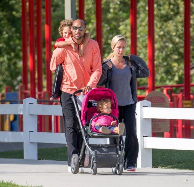 Kendra Wilkinson i Hank Baskett z dziećmi