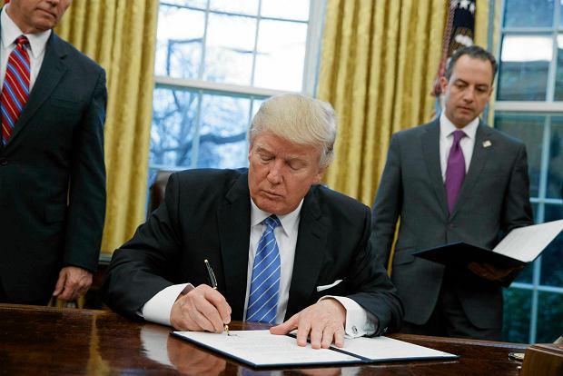 Stało się. Prezydent Trump wydał dekret o budowie muru na granicy z Meksykiem