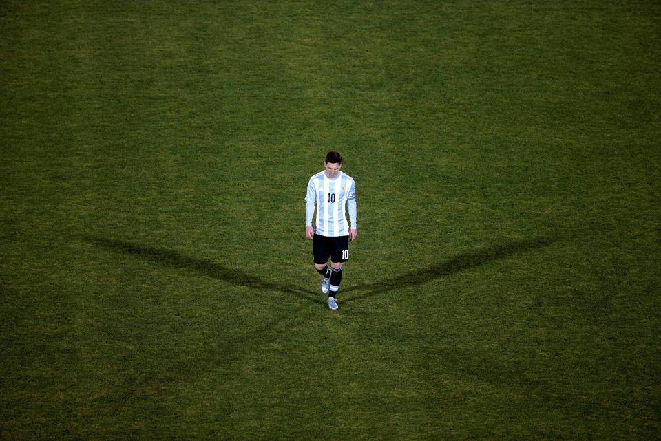 Zdjęcie numer 9 w galerii - Copa America 2016. Leo Messi w rozpaczy po porażce w finale [ZDJĘCIA]