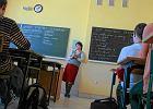 Uczniowie się wstydzą, nauczyciele są zażenowani... Jak wyglądają zajęcia z wychowania do życia w rodzinie?