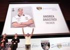 Jako pierwszy - przy gromkich brawach publiczności - na scenę wyszedł trener Andrea Anastasi, były selekcjoner reprezentacji Polski.