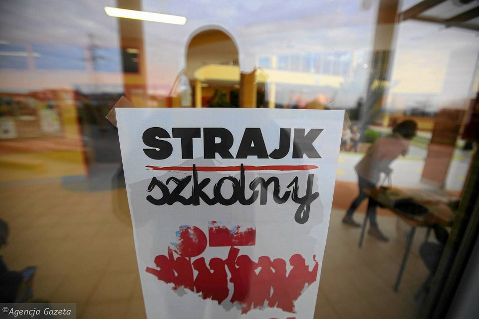 Strajk Nauczycieli. Zaprotestowało Ponad 200 Szkół W Warszawie