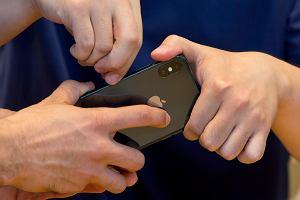 iPhone X jest martwy. Zbyt drogi flagowiec podtapia Apple'a na giełdzie