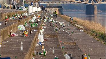Śmieci na bulwarach - 2 kwietnia