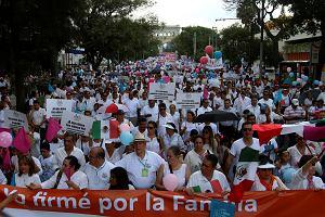 Ko�ci� w Meksyku g�osi dobr� nowin�: LGBT jest jak dyktatura Stalina i Mao