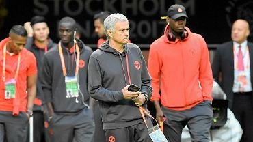 United manager Jose Mourinho walks on to the pitch with the players at the Friends Arena in Stockholm, Sweden, Tuesday, May 23, 2017. Ajax Amsterdam and Manchester United will play the soccer Europa League final in Stockholm on Wednesday, May 24. (AP Photo/Martin Meissner) SLOWA KLUCZOWE: XEUROPALEAGUEX