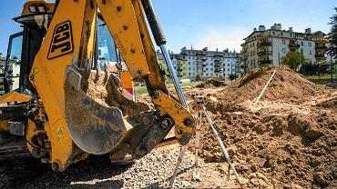 3.08.2017, Rzeszów, budowa placu zabaw przy ul. Plenerowej.