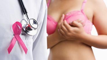 Podstawową metodą leczenia raka piersi jest operacja polegająca na usunięciu raka i granicy zdrowych tkanek