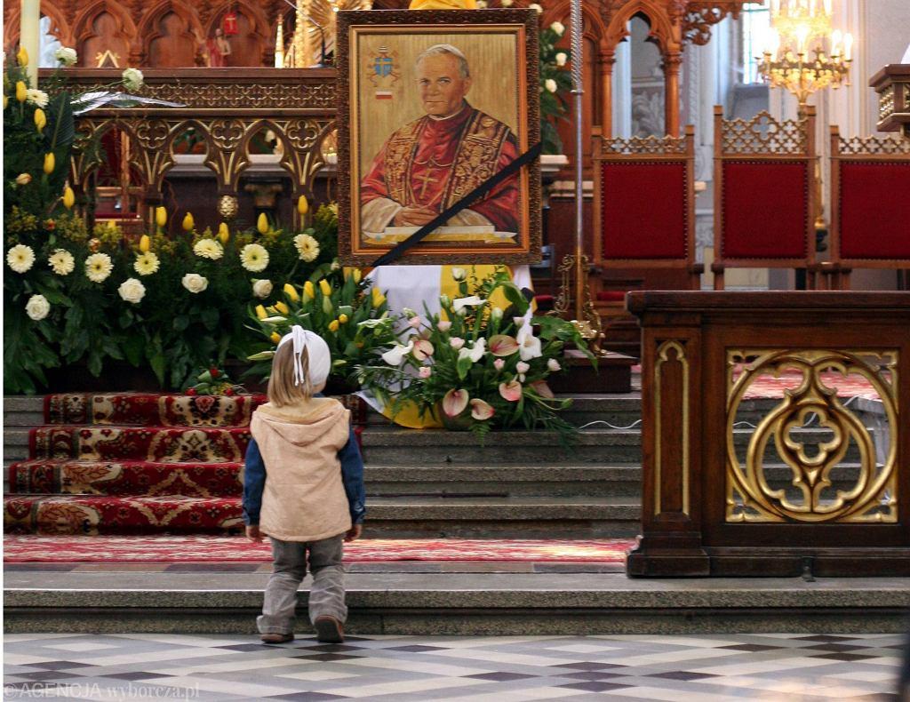 Wychowanie dzieci w wierze katolickiej jest ważne dla wielu Polaków (fot. Karol Pitek / Agencja Gazeta)