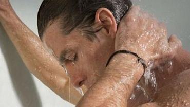 Zaraz po kąpieli zbadaj jądra. To najlepszy moment