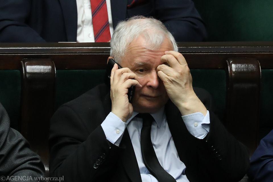 Prezes partii rządzącej Jarosław Kaczyński podczas wieczornego bloku glosowań. Warszawa, Sejm, 12 kwietnia 2018