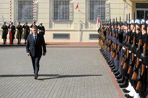 """Prezydent i premier na odprawie si� zbrojnych. """"Nowoczesna armia zniech�ca do agresji wobec nas"""""""