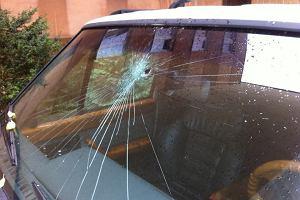 Rzucają kamieniami w auta na A2. O włos od wypadku