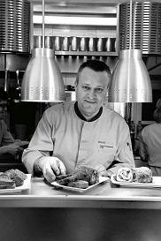 Adam Chrząstowski - szef kuchni i współwłaściciel restauracji