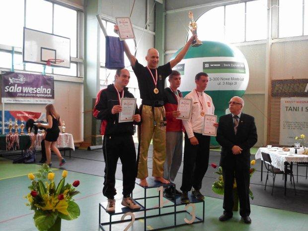 Na najwy�szym stopniu podium Piotr Ma�lanka