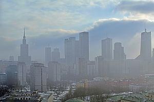"""Alarm smogowy - co robić, gdy za oknem """"mgła"""" ze spalin?"""