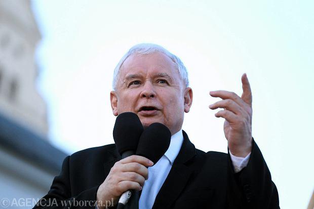 Biznes to ludzie dawnego systemu, Słowację spowiły ciemności... Prezes Kaczyński potrafi popłynąć