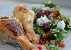 Kurczak z kremowym serkiem i sa�atk� z wi�niami i chili