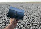 Pekin coraz ni�ej, wody coraz mniej