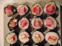 Sushi z paluszkami krabowymi - ugotuj