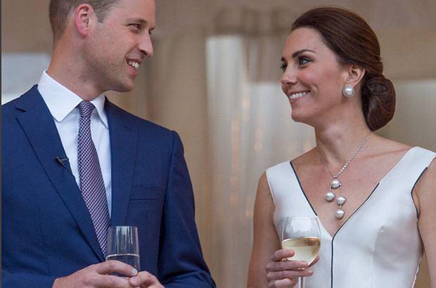 William podarował księżnej Kate drogocenny prezent z okazji narodzin Louisa. Pochwaliła się nim na Wimbledonie