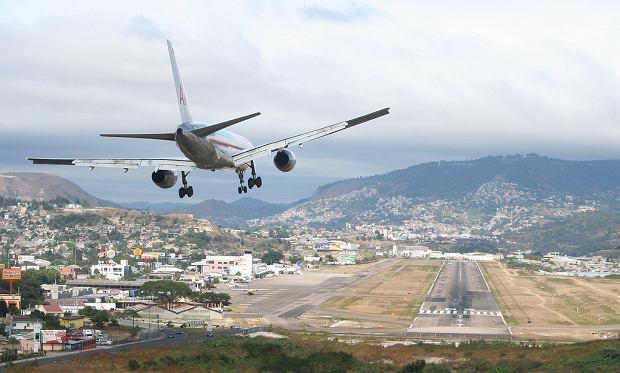 """Niesamowite lotniska �wiata: technicznie najtrudniejsze - wielka """"dziesi�tka"""""""