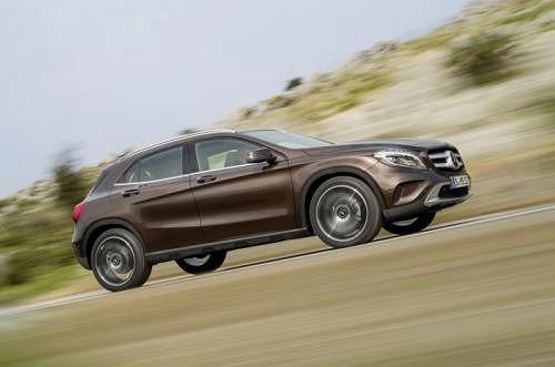 Lexus i Mercedes wybieraj� Yokoham�