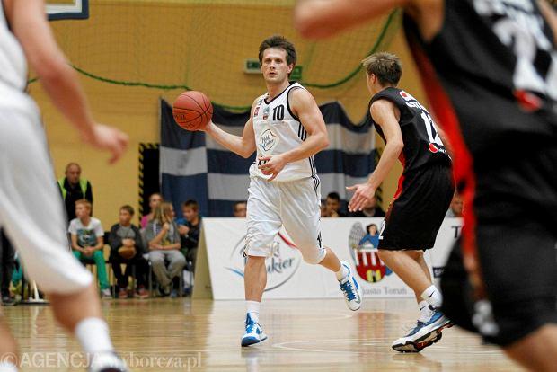 Zdjęcie numer 2 w galerii - Koszykarskie małżeństwo robi w Toruniu dziecięcy boom na koszykówkę