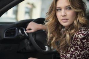 Tymi samochodami nie powinny je�dzi� kobiety | Poradnik z okazji Dnia Kobiet