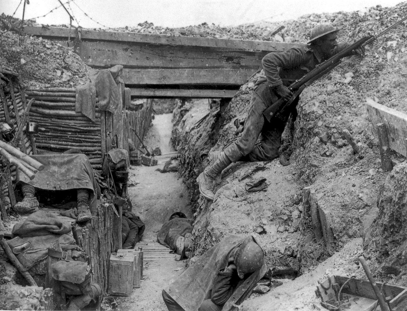 Bitwa nad Sommą. Brytyjskie okopy (fot. Wikimedia.org / Public Domain)